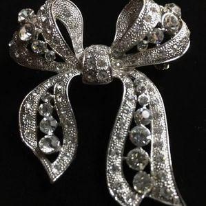Pin/Brooch-R.J. Graziano Fancy Bow